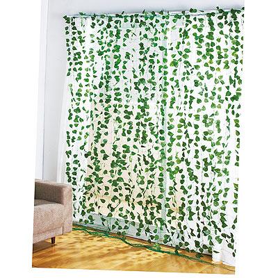 緑の造花カーテン